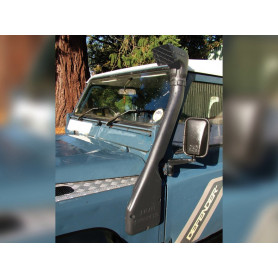 Snorkel along the left wing of defender 200 tdi 1990 to 1994