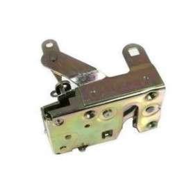 Mechanism of right rear door defender 110 and 130