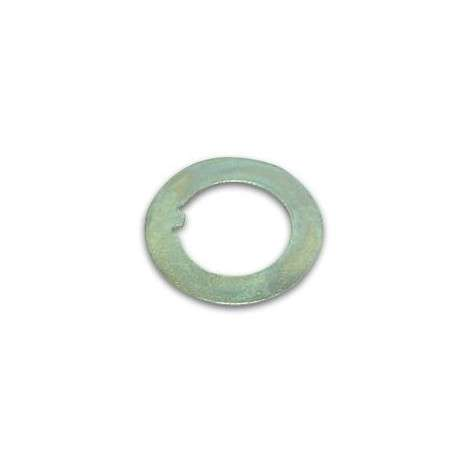 Lock washer outer front and rear of stub axle