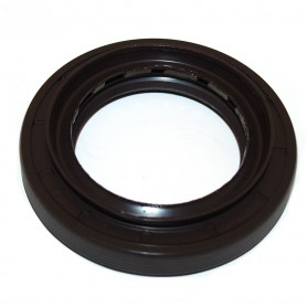 Transfer box output shaft seal